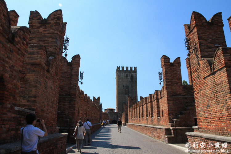 Castel Vecchio,Castelvecchio Bridge,Museo di Castelvecchio,Verona,Verona停車,Verona景點,Verona老城堡,Vicenza,史卡拉家族,意大利,旅行,維洛納,維洛納Verona,維洛納必遊景點,維洛納攻略,維洛納景點推薦,維洛納老城堡,維洛納自助旅行,維洛納自助游,維洛納自助行程,義大利,義大利ZTL,義大利維洛納,義大利親子自助旅行 @莉莉安小貴婦旅行札記