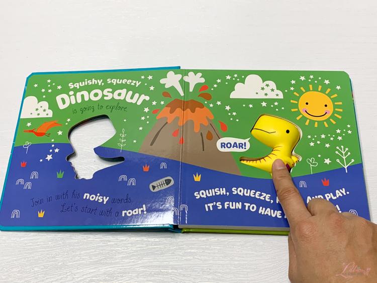 英文童書團購, 英文童書推薦, 兒童外文書推薦, 兒童操作書推薦, 兒童英文書推薦, 聖誕禮物書, 兒童繪本推薦, 親子好物, Never Touch a Panda! , 立體繪本推薦, Butterfly Butterfly , 觸摸童書推薦, Zumi's Ocean, Puppy & Tiger Slide the Tabs Book, 硬頁推拉機關書, A Soft Felt Play Book, The Wheels on the Bus, Sing along with me!, Hey Diddle Diddle